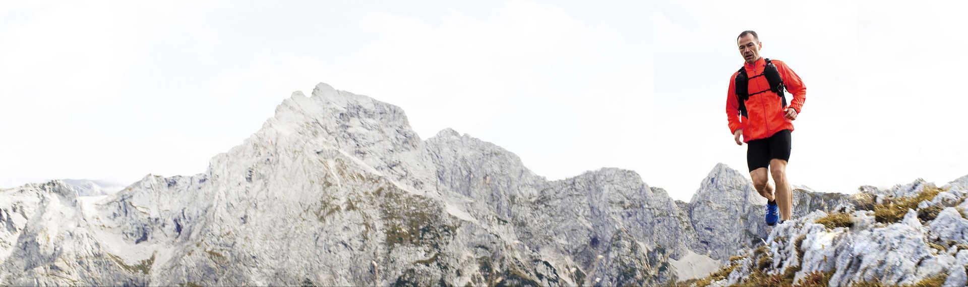 بطارية تدوم لمدة أسبوعين، سافر دون قيود  نقدم لك أول هيكل مزدوج الشرائح بتصميم جديد يوفرعمر بطارية يدوم لمدة أسبوعين من أجل مواكبة حياتك اليومية أينما تذهب.